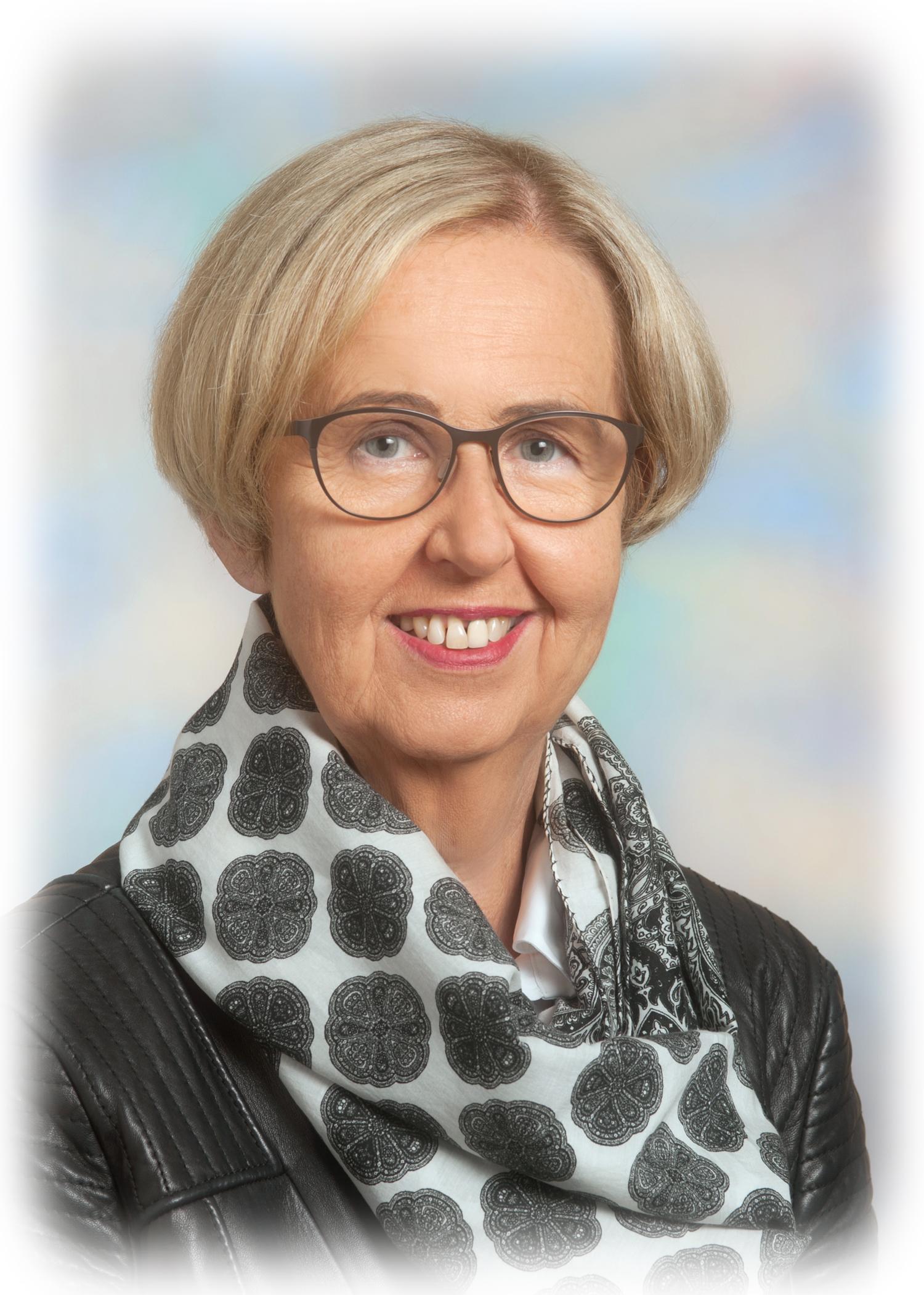 Elfriede Bracher